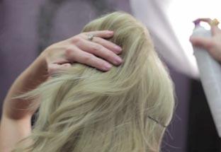 вечерняя прическа на средние волосы