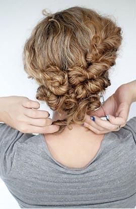 Прически для кудрявых волос своими руками фото