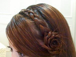 коса с цветоком