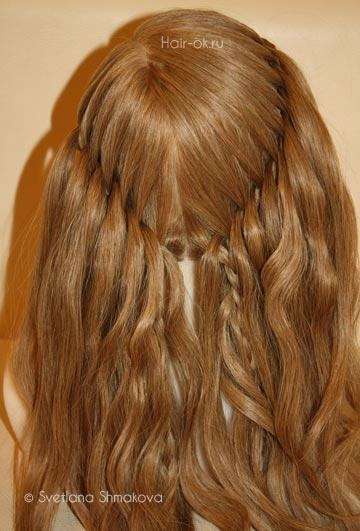 коса с выпуском прядей